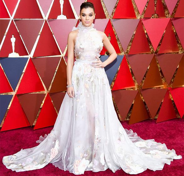 10 bộ váy Oscar được săn lùng nhiều nhất trên mạng năm 2017 - Ảnh 3.