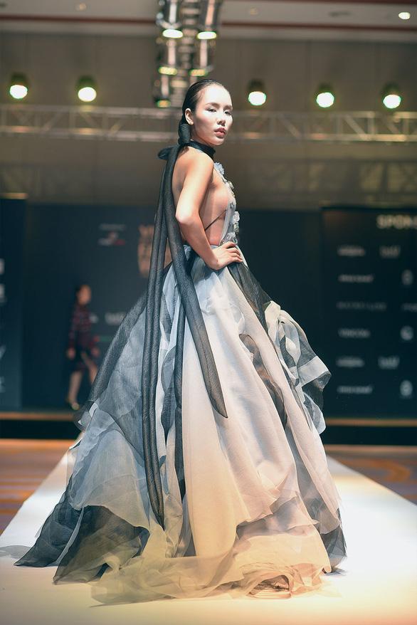 Công Trí mở màn Tuần lễ thời trang quốc tế Việt Nam - Ảnh 8.