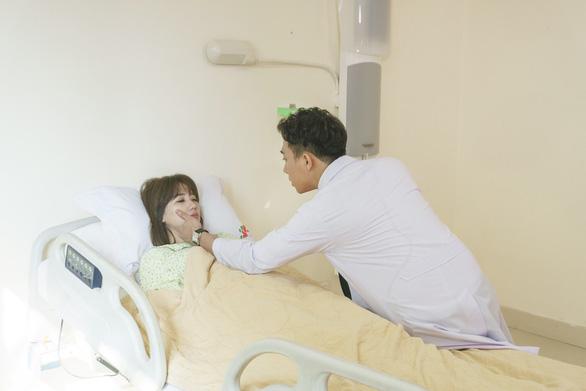Hari Won ra mắt phim Thiên ý - Trấn Thành đóng vai bác sĩ - Ảnh 4.