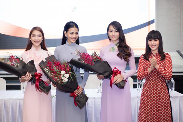 Hà Thu tặng nữ chiến binh cho Bảo tàng Phụ nữ Nam Bộ - Ảnh 3.