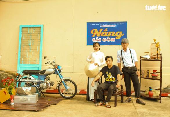 Vừa hiến máu, vừa chụp ảnh phong cách Sài Gòn xưa - Ảnh 1.