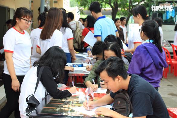 Vừa hiến máu, vừa chụp ảnh phong cách Sài Gòn xưa - Ảnh 3.