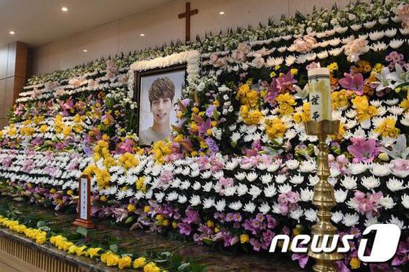 Những ngôi sao Kpop tự tử vì trầm cảm trong 10 năm qua - Ảnh 6.