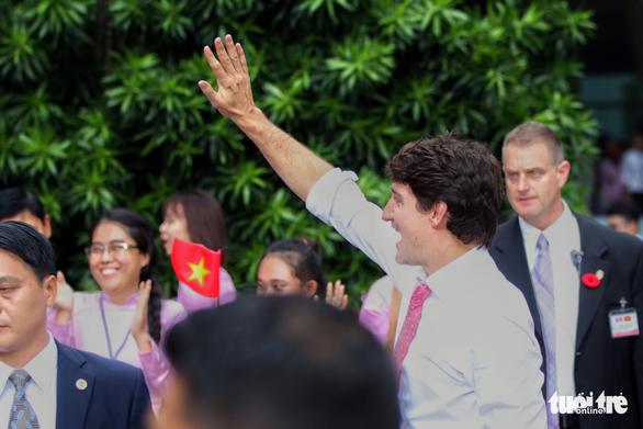 Nửa ngày của Thủ tướng Canada Trudeau tại TP.HCM - Ảnh 10.