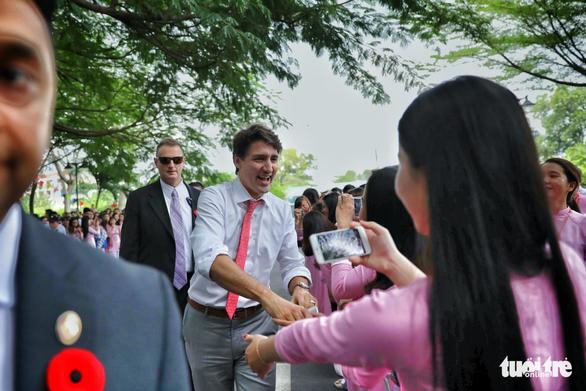 Nửa ngày của Thủ tướng Canada Trudeau tại TP.HCM - Ảnh 8.