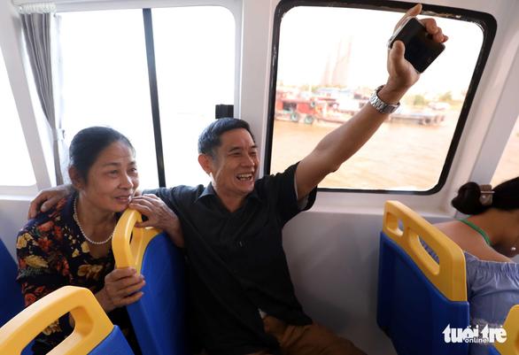 Tuyến buýt sông đầu tiên ở Sài Gòn chính thức hoạt động - Ảnh 15.