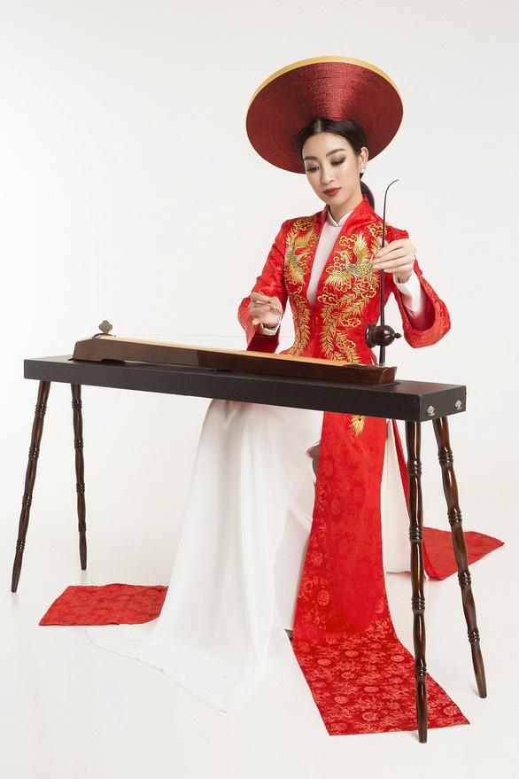 Đỗ Mỹ Linh chọn đàn bầu thi tài năng Hoa hậu thế giới 2017 - Ảnh 3.
