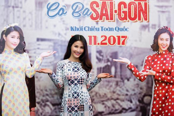 Đông Nhi mặc áo dài hát Ai yêu Cô Ba Sài Gòn! - Ảnh 7.