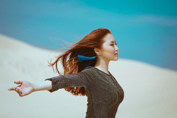 Sau Em gái mưa, Hương Tràm thể hiện nhạc phim Giấc mơ Mỹ - Ảnh 2.