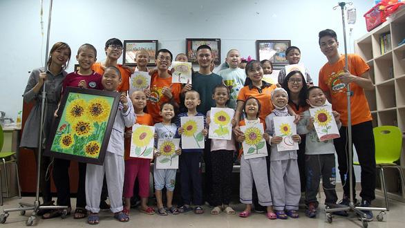 Bệnh nhi ung thư dự Ngày hội hoa hướng dương tại Hà Nội - Ảnh 5.