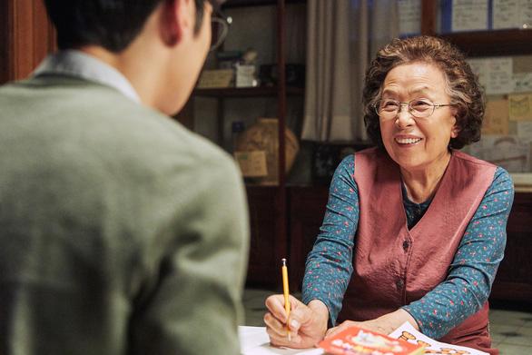 Bà ngoại… học tiếng Anh sẽ chao đảo phòng vé Việt? - Ảnh 6.