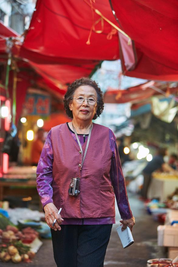 Bà ngoại… học tiếng Anh sẽ chao đảo phòng vé Việt? - Ảnh 3.