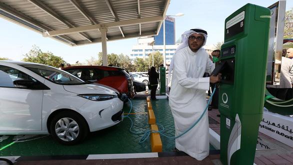 2,7 nghìn tỉ USD để phủ sóng đủ trạm sạc cho xe điện trên toàn cầu - Ảnh 2.