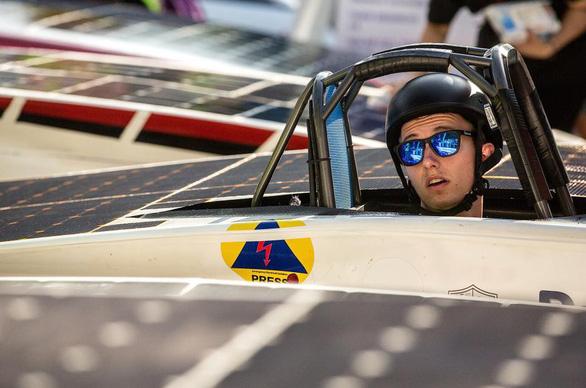 Ngắm những chiếc xe năng lượng mặt trời độc đáo - Ảnh 2.