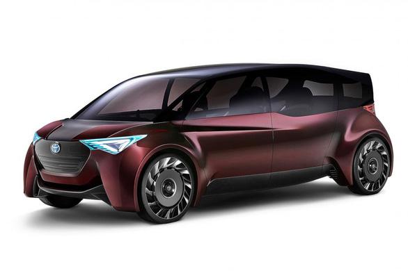 Xe chạy pin nhiên liệu 'độc lạ' dài gần 5m của Toyota - Ảnh 1.