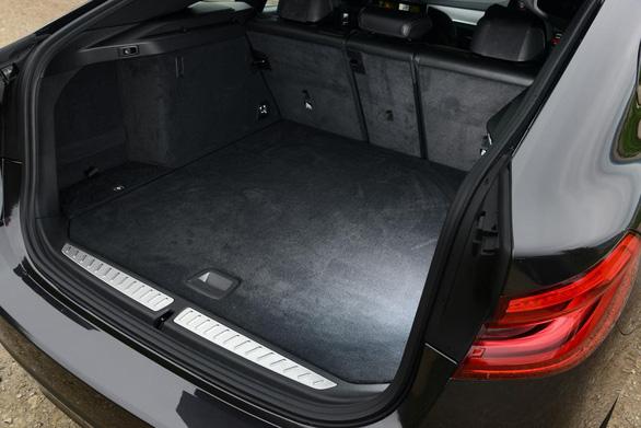 6 Series GT 2017: chiếc hatchback sang trọng, rộng rãi của BMW - Ảnh 9.