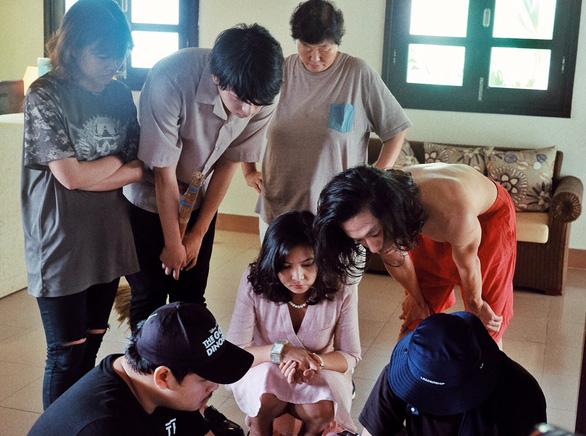 Nữ đạo diễn quyền lực nhất Hàn Quốc khen người làm phim trẻ - Ảnh 5.