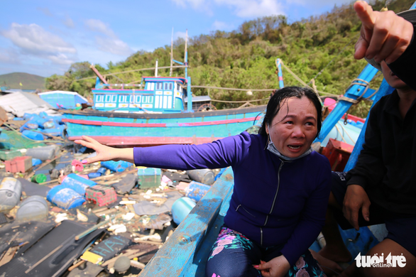 Nát tan làng bè Vạn Giã nơi tâm bão quét qua - Ảnh 7.
