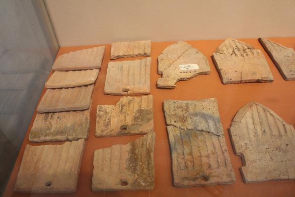 Trưng bày cổ vật văn hóa Óc Eo ở bảo tàng Chăm phục vụ APEC - Ảnh 2.