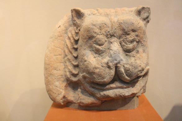 Trưng bày cổ vật văn hóa Óc Eo ở bảo tàng Chăm phục vụ APEC - Ảnh 3.