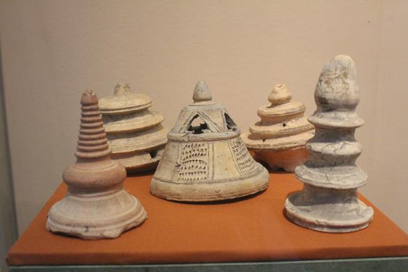 Trưng bày cổ vật văn hóa Óc Eo ở bảo tàng Chăm phục vụ APEC - Ảnh 7.