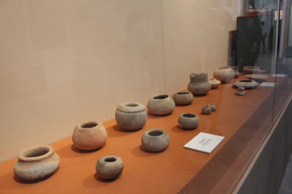 Trưng bày cổ vật văn hóa Óc Eo ở bảo tàng Chăm phục vụ APEC - Ảnh 8.