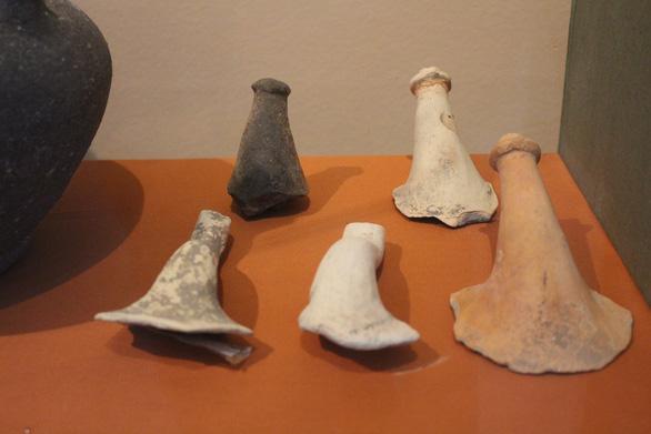 Trưng bày cổ vật văn hóa Óc Eo ở bảo tàng Chăm phục vụ APEC - Ảnh 9.