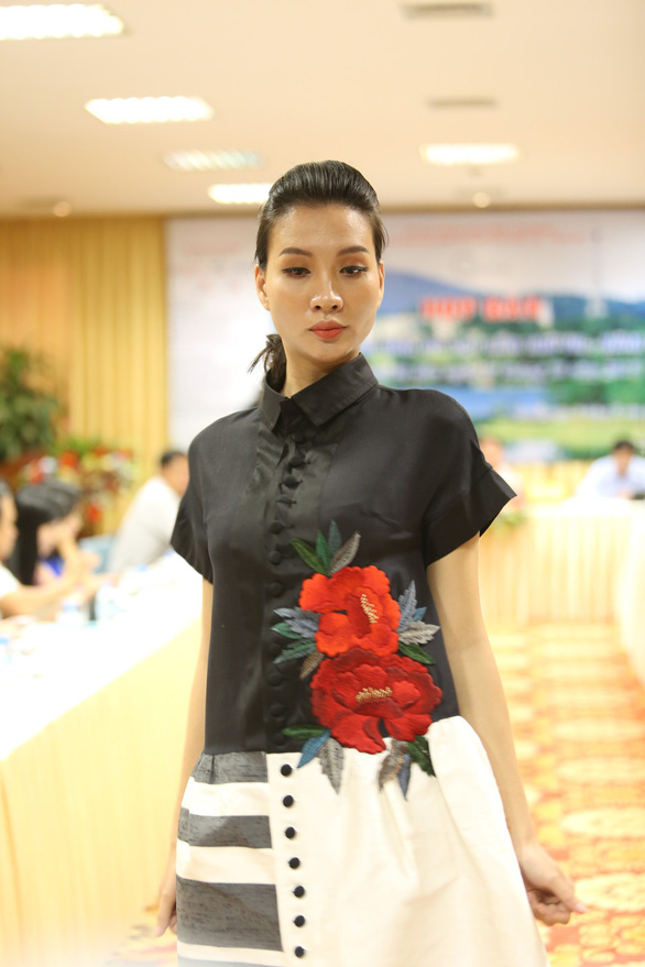 Nhiều người nhìn lụa Việt Nam là thằng bán tơ trong Truyện Kiều - Ảnh 2.