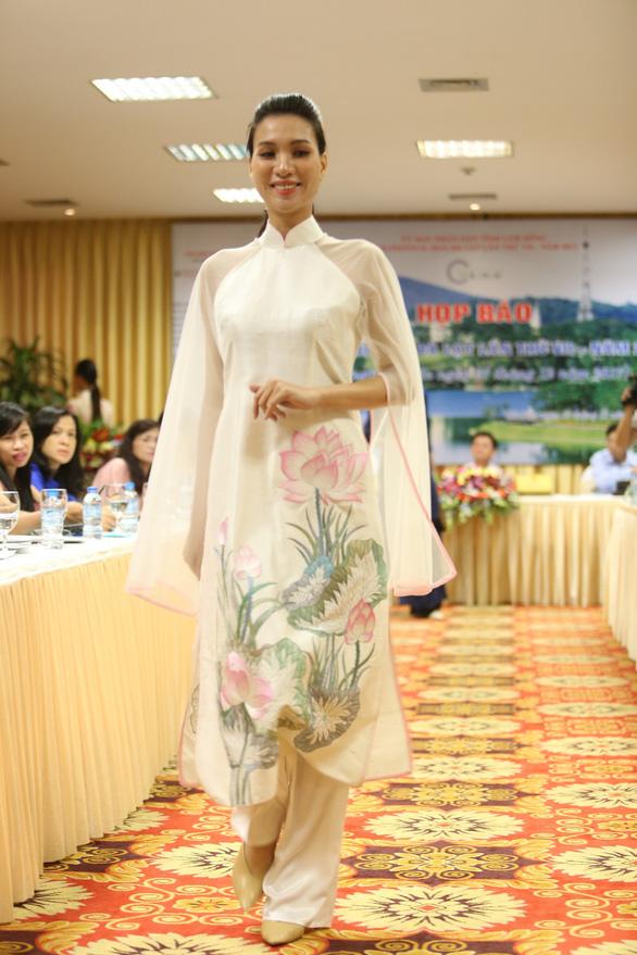Nhiều người nhìn lụa Việt Nam là thằng bán tơ trong Truyện Kiều - Ảnh 5.