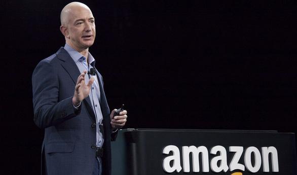 Thông tin ngoại tình của tỉ phú Bezos được bán với giá 4,6 tỉ đồng? - Ảnh 2.