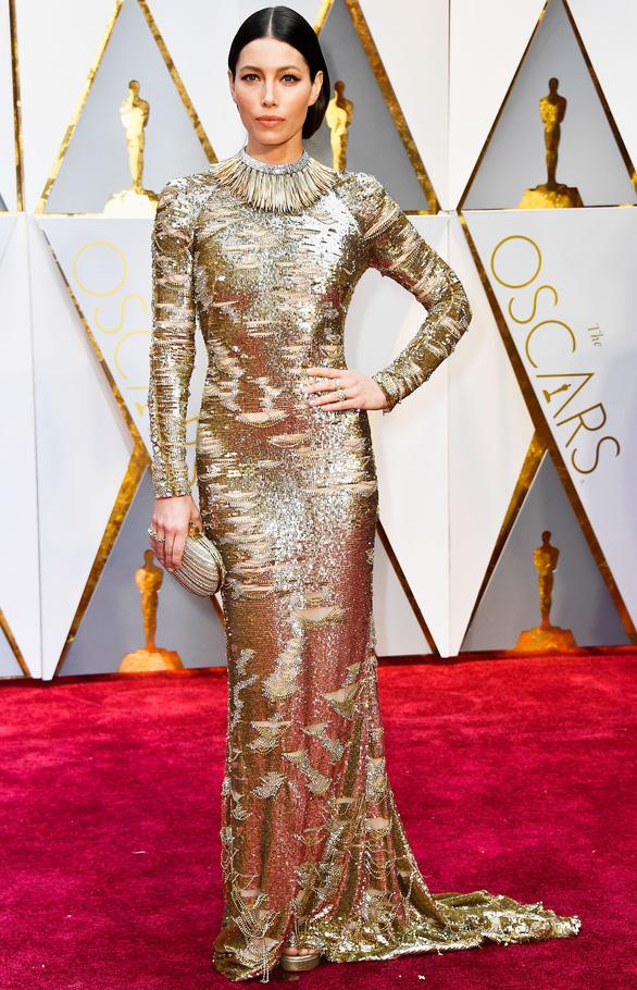 10 bộ váy Oscar được săn lùng nhiều nhất trên mạng năm 2017 - Ảnh 11.