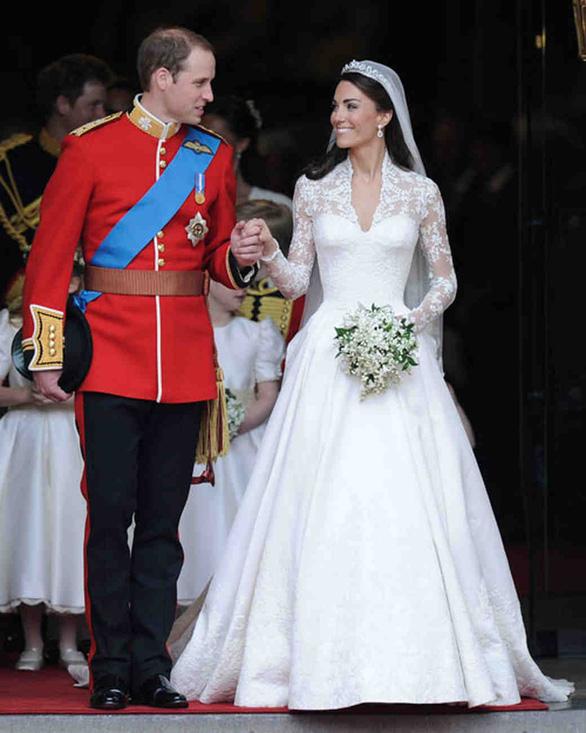 Ngắm lại những chiếc váy cưới nổi tiếng nhất thế giới - Ảnh 14.