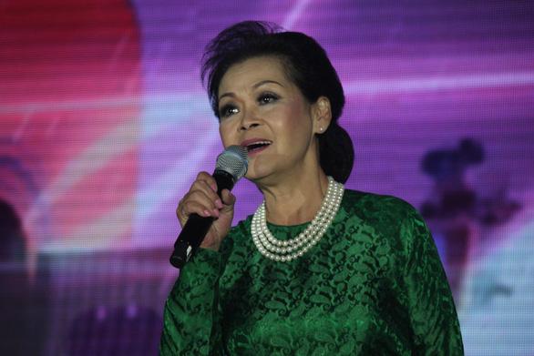 Khánh Ly đọc thơ Mai Thảo tặng khán giả Sài Gòn - Ảnh 3.