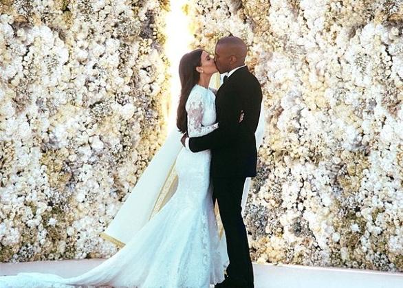 Ngắm lại những chiếc váy cưới nổi tiếng nhất thế giới - Ảnh 18.