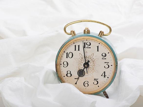 6 cách để ngủ ngon khi đi máy bay - Ảnh 6.