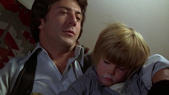 Xem lại Kramer vs Kramer - bài học không cũ về tình thân gia đình  - Ảnh 7.