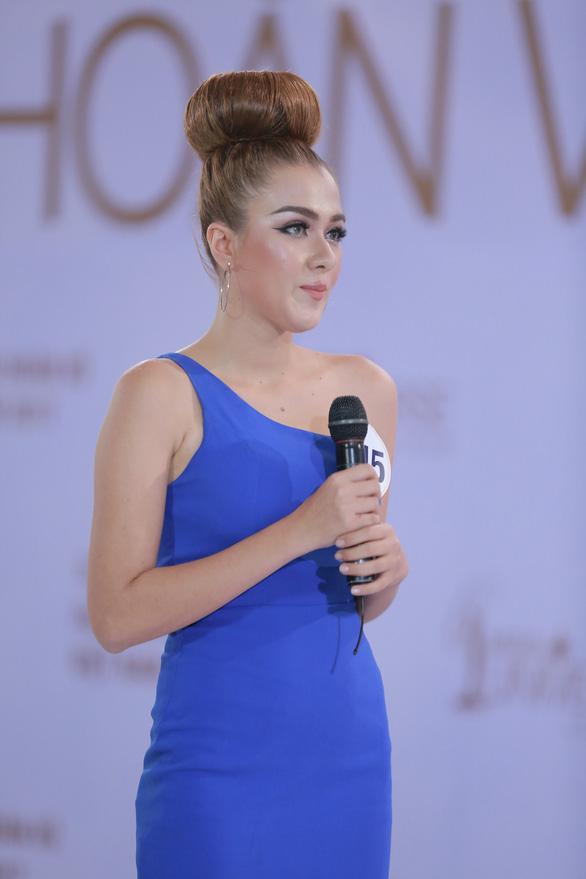 Xem Hoàng Thùy, Mai Ngô... bị nắn gân ở Hoa hậu Hoàn vũ Việt Nam - Ảnh 5.