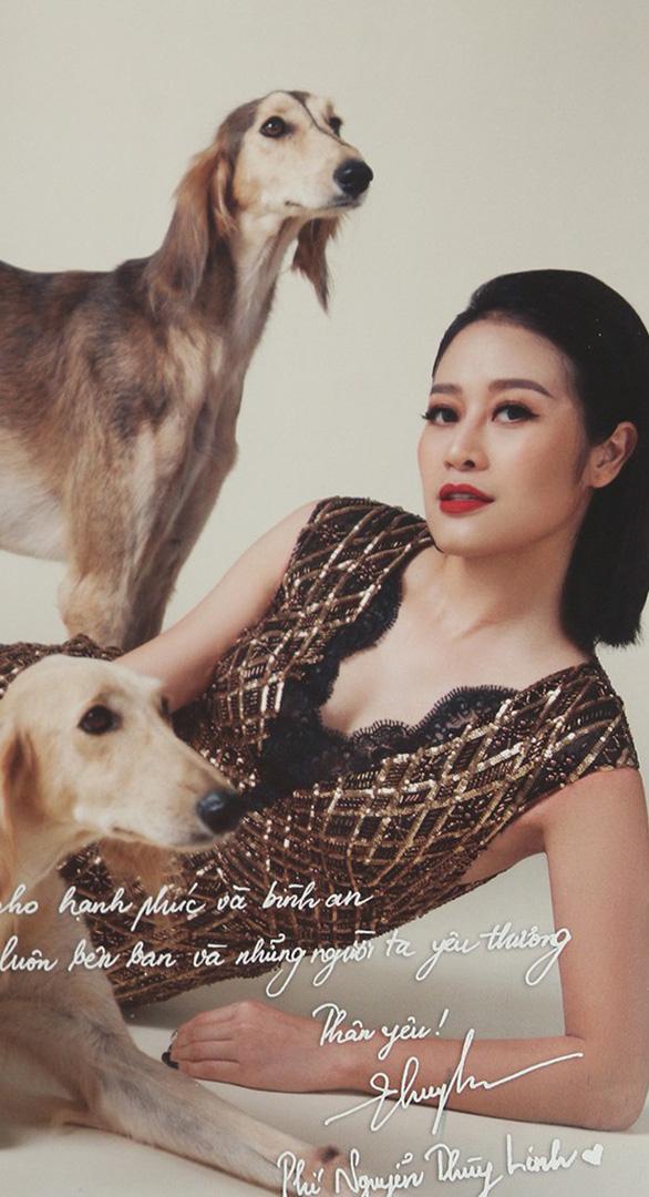 Hoài Anh, Đan Lê, Vân Hugo... chụp ảnh với chó để làm từ thiện  - Ảnh 15.