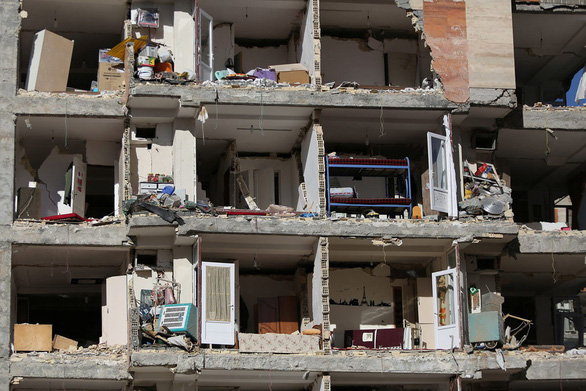 Thế giới trong tuần qua ảnh: Động đất ở Iran, lũ lụt ở Hy Lạp - Ảnh 1.