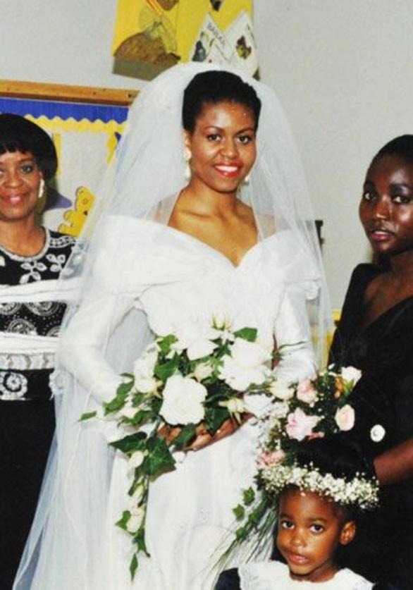 Ngắm lại những chiếc váy cưới nổi tiếng nhất thế giới - Ảnh 7.