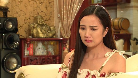 Thủy Phạm tố bị Quốc Thái bạo hành trong phim mới - Ảnh 1.