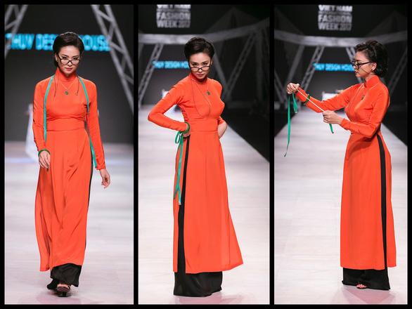 Ngô Thanh Vân đưa thời trang Cô Ba Sài Gòn lên sàn catwalk  - Ảnh 2.