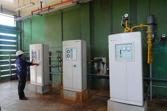 Sửa đường ống D900 Thủ Đức, cúp nước 7 quận huyện - Ảnh 1.