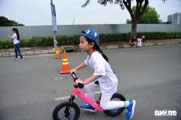 Gần 20.000 người tham gia chạy bộ từ thiện tại TP.HCM - Ảnh 8.