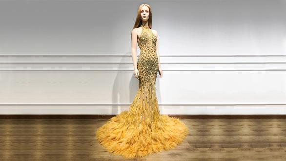 Trang phục dạ hội lộng lẫy của Mỹ Linh tại Miss World - Ảnh 2.