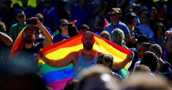 Lễ ăn mừng cầu vồng của người đồng tính Úc - Ảnh 3.