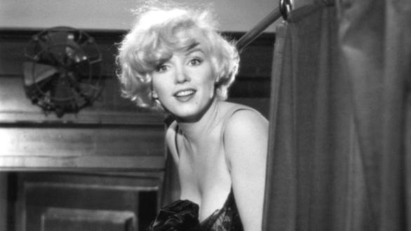 Marilyn Monroe - ma lực của sự hấp dẫn trong Some Like It Hot - Ảnh 6.