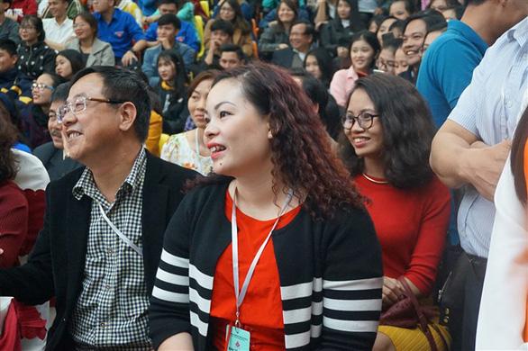 Đạo diễn Đặng Nhật Minh 'trả nợ' khán giả Đà Nẵng sau 30 năm - Ảnh 6.