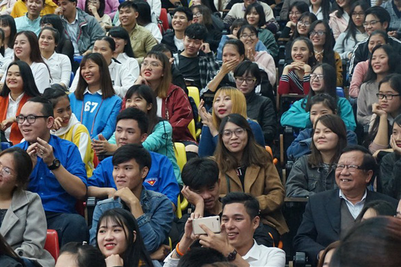 Đạo diễn Đặng Nhật Minh 'trả nợ' khán giả Đà Nẵng sau 30 năm - Ảnh 7.