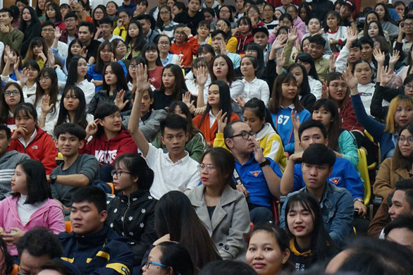 Đạo diễn Đặng Nhật Minh 'trả nợ' khán giả Đà Nẵng sau 30 năm - Ảnh 9.
